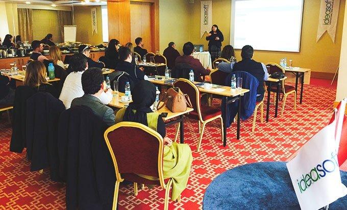 IdeaSoft Bayileri İzmir Mövenpick Otel'de bir araya geldi.