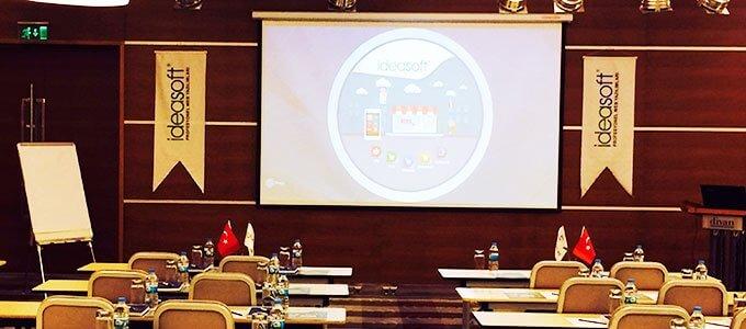 IdeaSoft Ankara bayileri Divan Otel'de bir araya geldi.