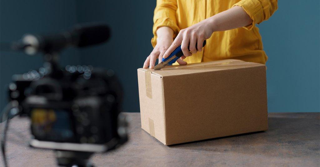 Youtube için kutu açılım videolarını nasıl çekebilirsiniz?